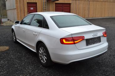 "Audi A4 Limousine 2,0Diesel Attraction ""Airbag OK"""